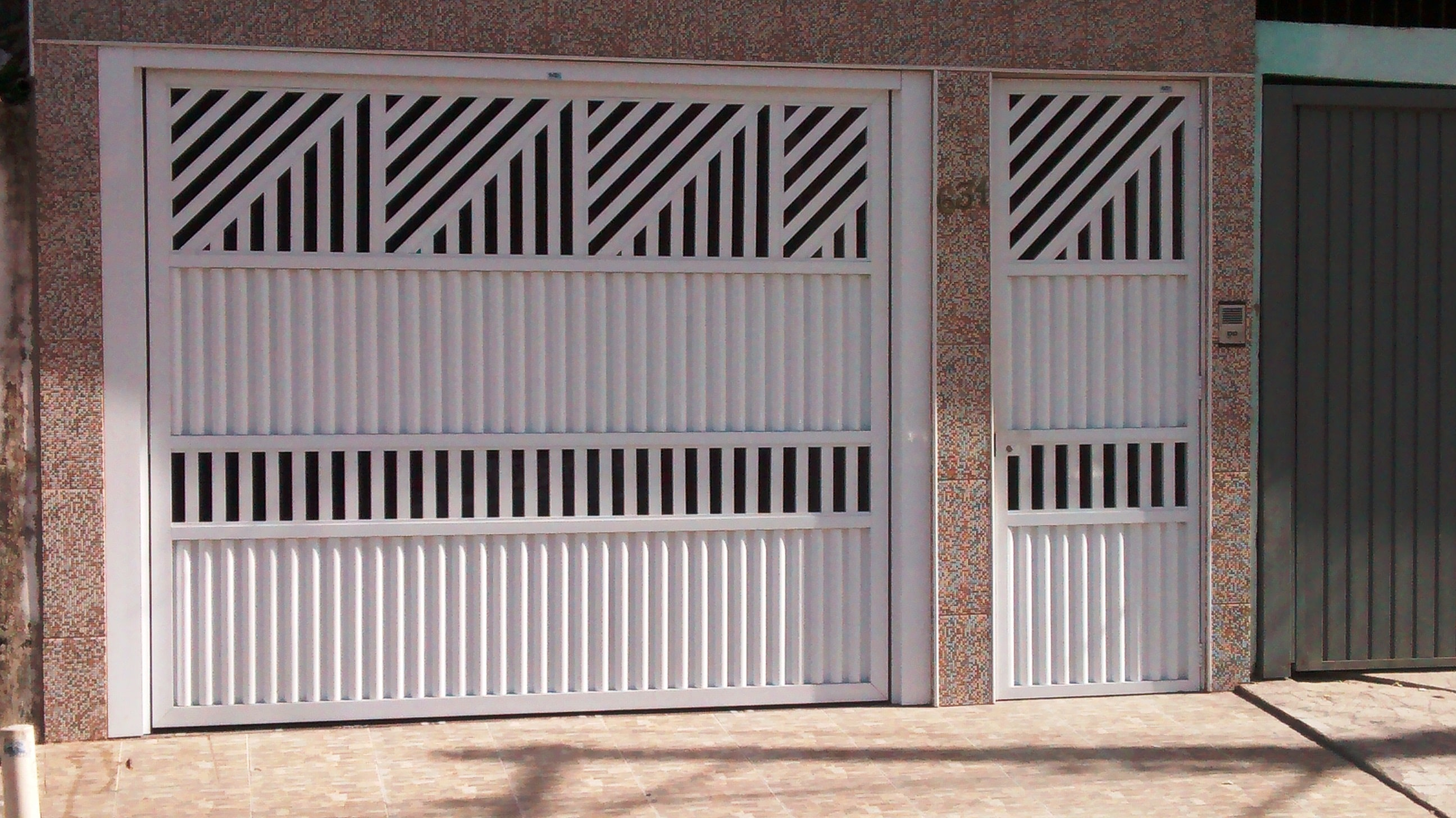 #8D5D3E  de Alumínio Pivotantes em SP Portões de Alumínio Deslizante em 846 Manutenção Em Janelas De Aluminio Em Belo Horizonte
